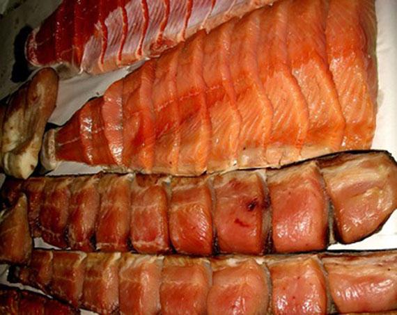 Через рибу, завезену в супермаркет із Черкащини, киянин захворів на ботулізм