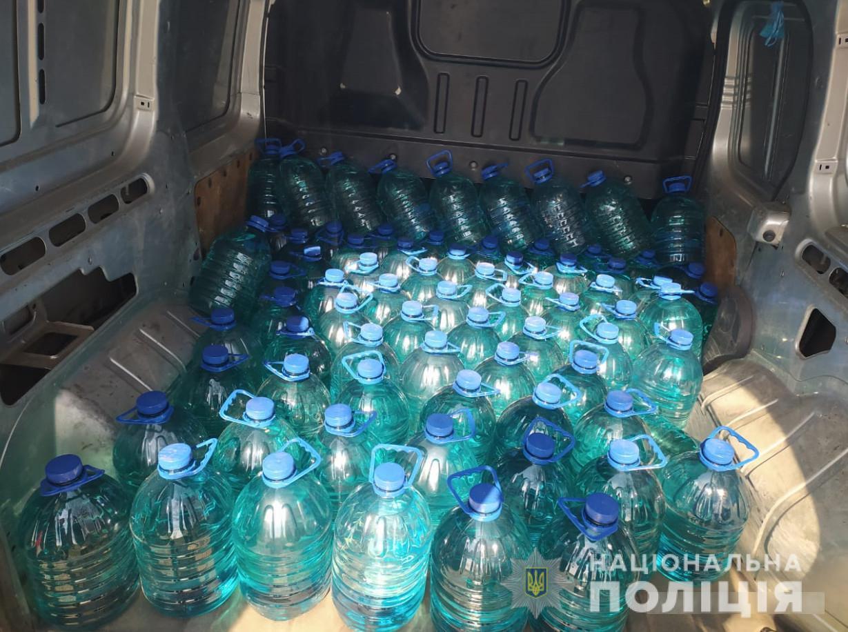 На Черкащині спіймали водія з пів тонни спиртової суміші (ФОТО)