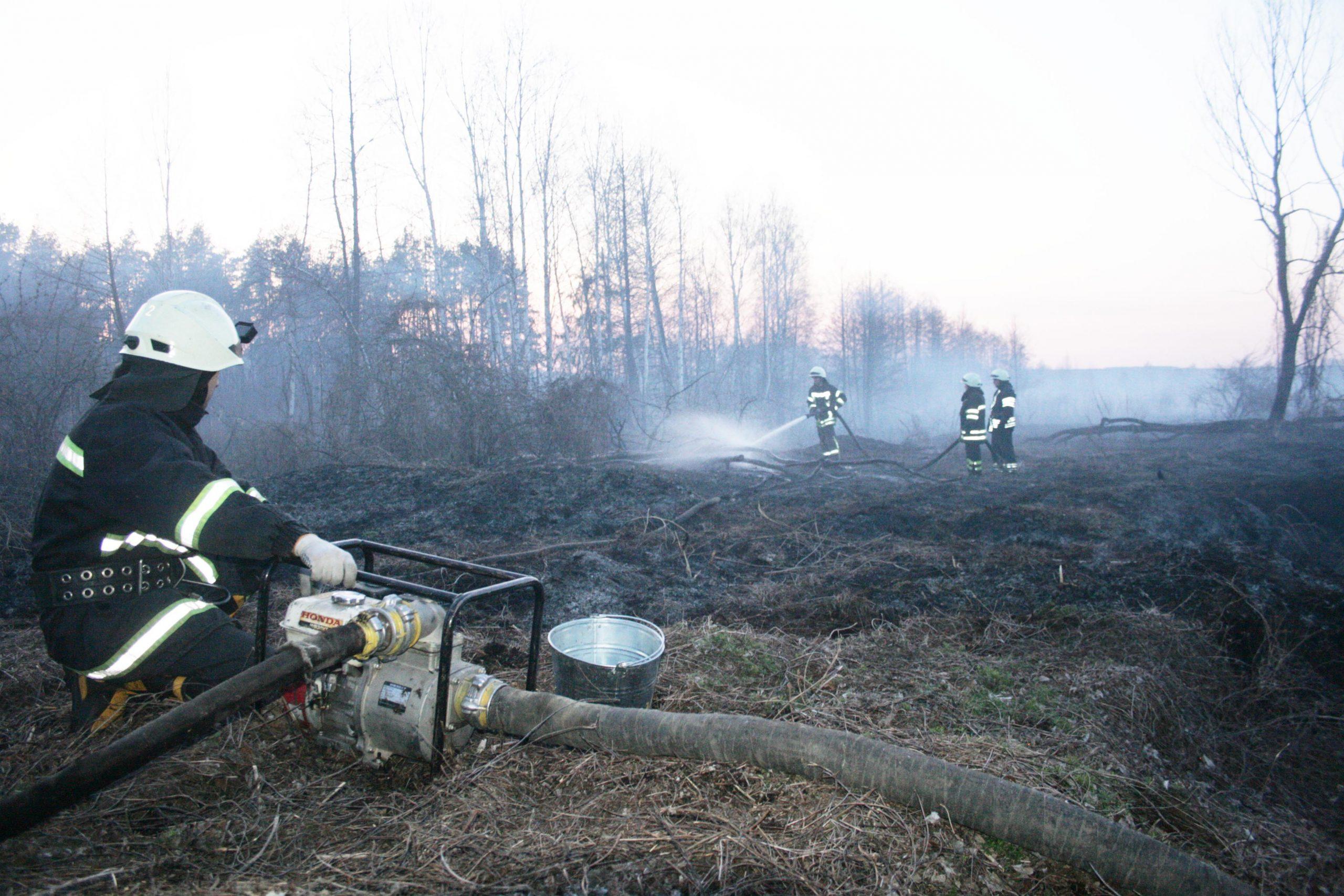На Черкащині знову горять торфовища. Пожежа охопила 5 га (ФОТО, ВІДЕО)