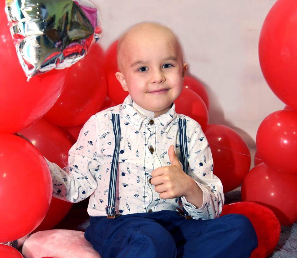 Маленький черкащанин потребує допомоги у боротьбі з раком крові (ФОТО)