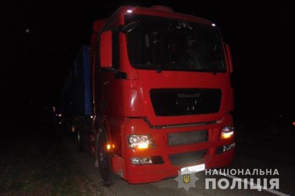 Із пострілами та вибухівкою: на Уманщині зловмисники напали на водія вантажівки (ФОТО)