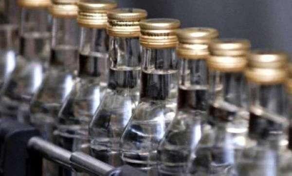 Трьом черкащанам, що збували фальсифікований алкоголь, повідомили про підозру