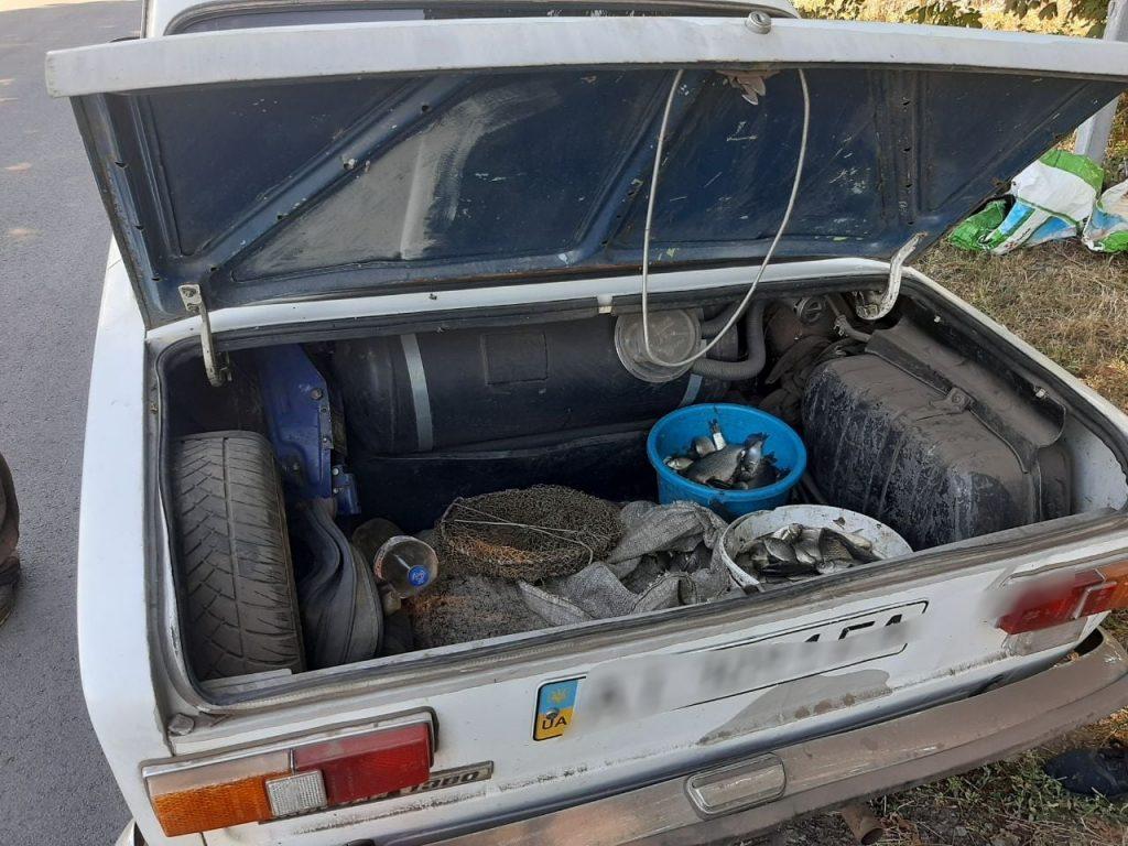 На Черкащині затримали браконьєра, який перевозив 41 кг риби (ФОТО)