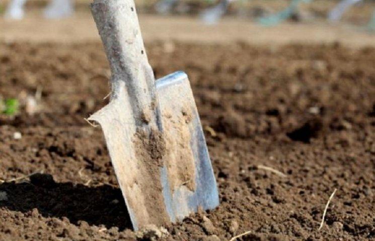 Повідомили про підозру жителю Маньківщини, який вбив знайомого лопатою