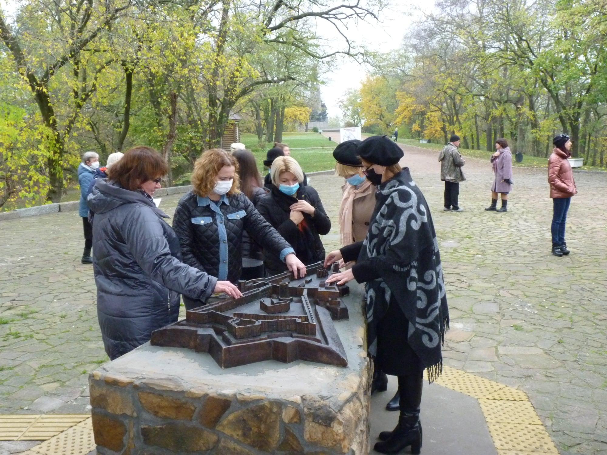 На Черкащині встановили тактильну модель фортеці 17 століття (ВІДЕО)