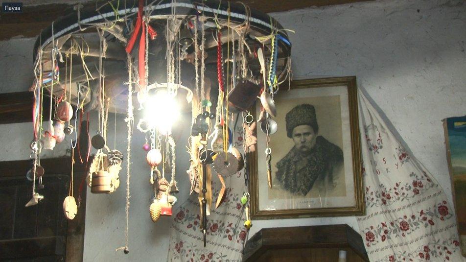 Художник із Черкащини написав майже 100 картин козака Мамая (фото)