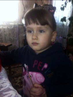 Маленька черкащанка потребує допомоги для рятівної операції на тазових органах