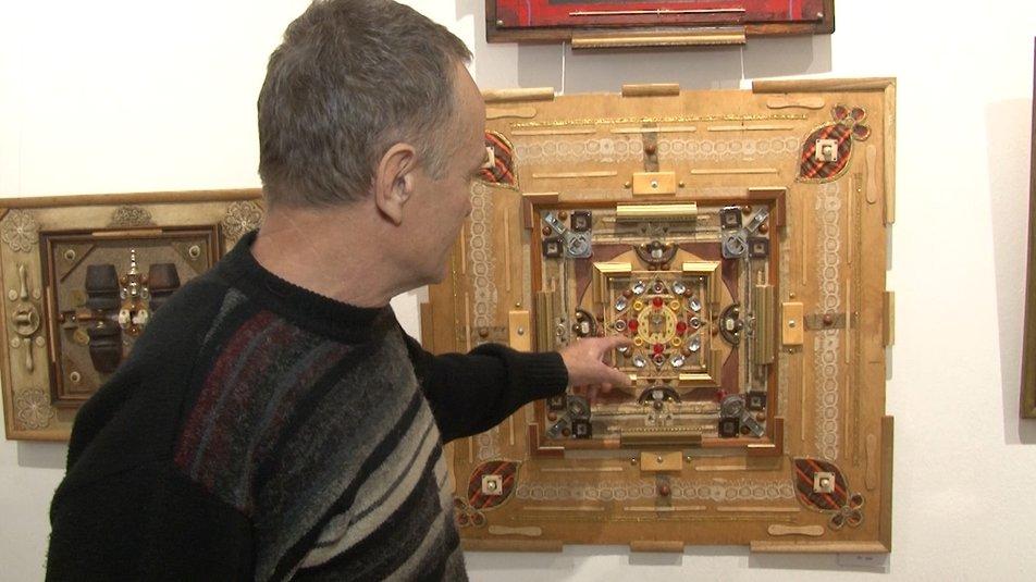 """Незвично про звичайне: черкаські художники презентували виставку """"Перетворення"""""""