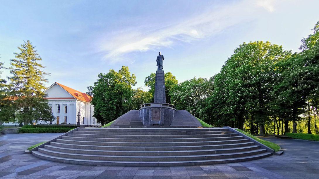 До дня народження Шевченка заявили про світовий рекорд за кількістю встановлених йому пам'ятників