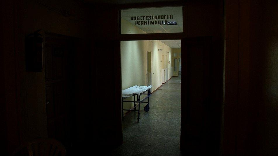 Операція й тривале лікування чекає на підлітка, якого вдарило струмом у Смілі