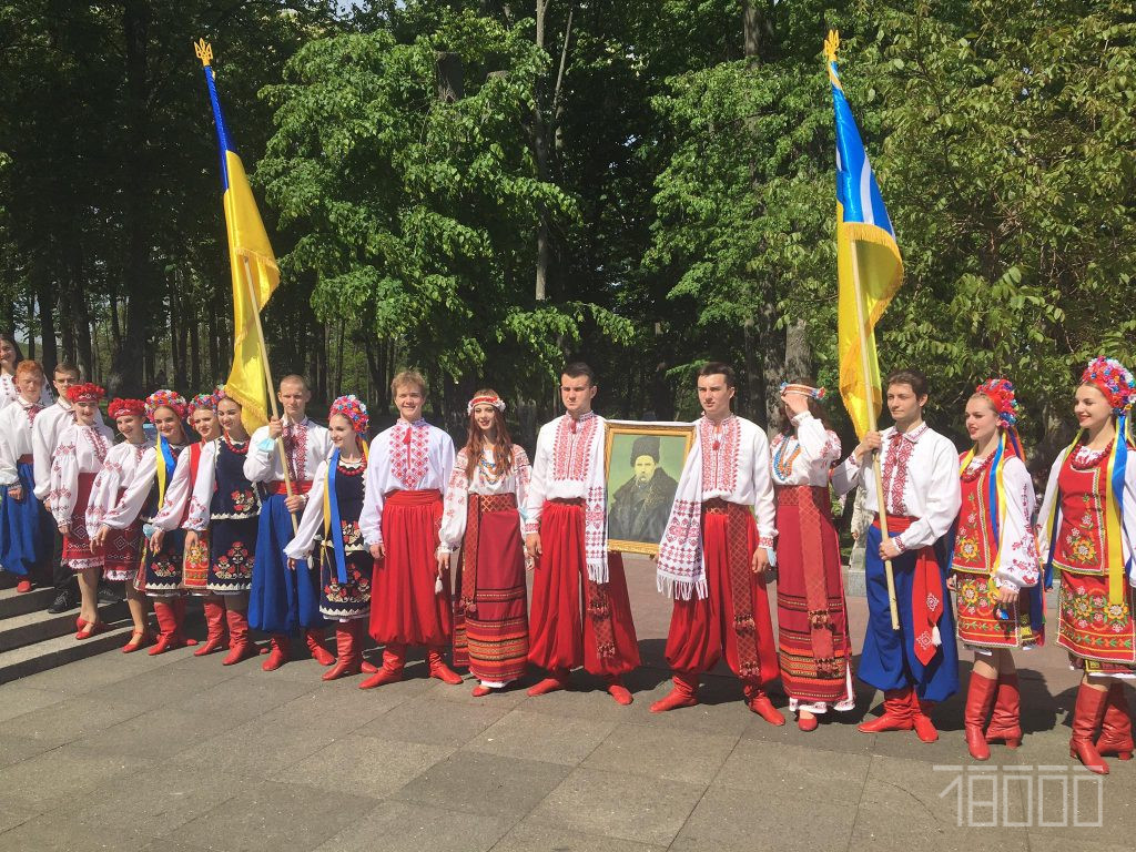 «Місце сили». У Каневі відзначили ювілейну річницю перепоховання Шевченка (ФОТО)