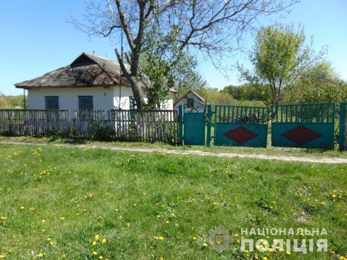 Украв телефони та машинки для стрижки: у селі на Монастирищині затримали грабіжника